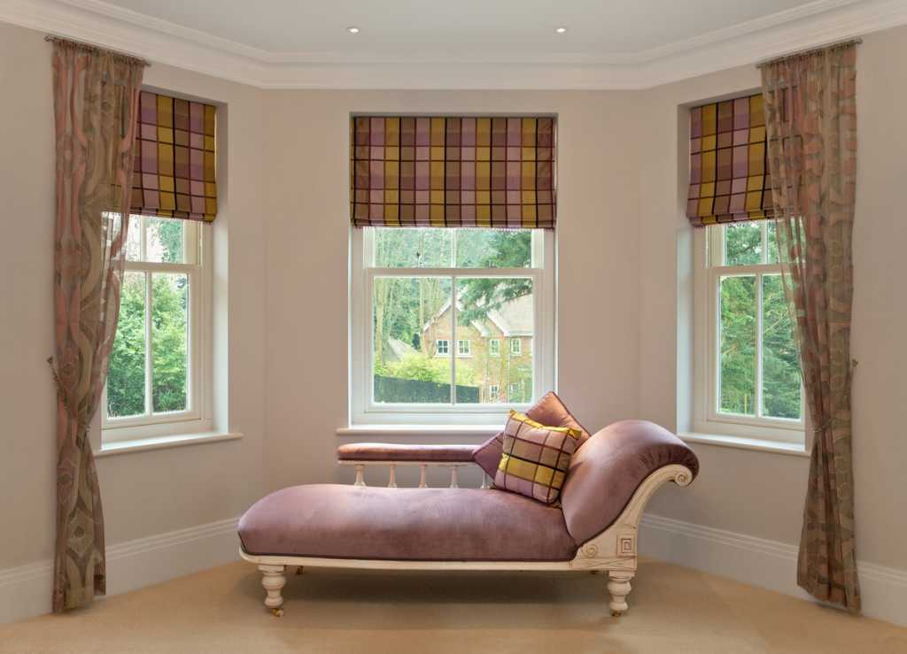 bay window with blinds